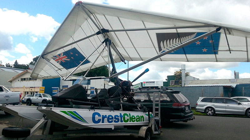 The CrestClean Amphibious Microlight.