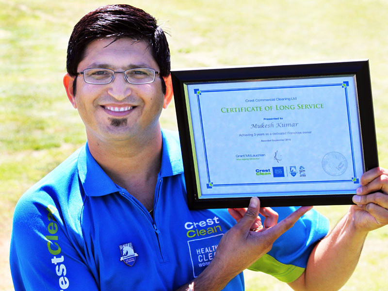 Mukesh Kumar with his 3-year Certificate of Long Service.