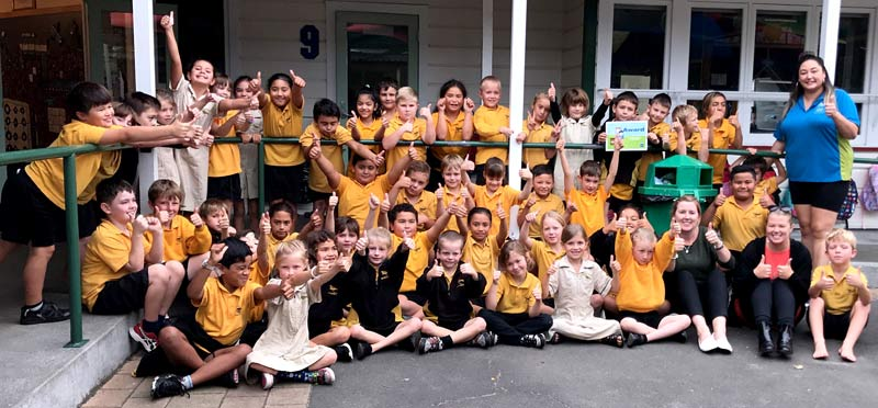 CrestClean franchisee Waimarama Taumaunu thanks Rooms 8 and 9 pupils for keeping everything spic and span.