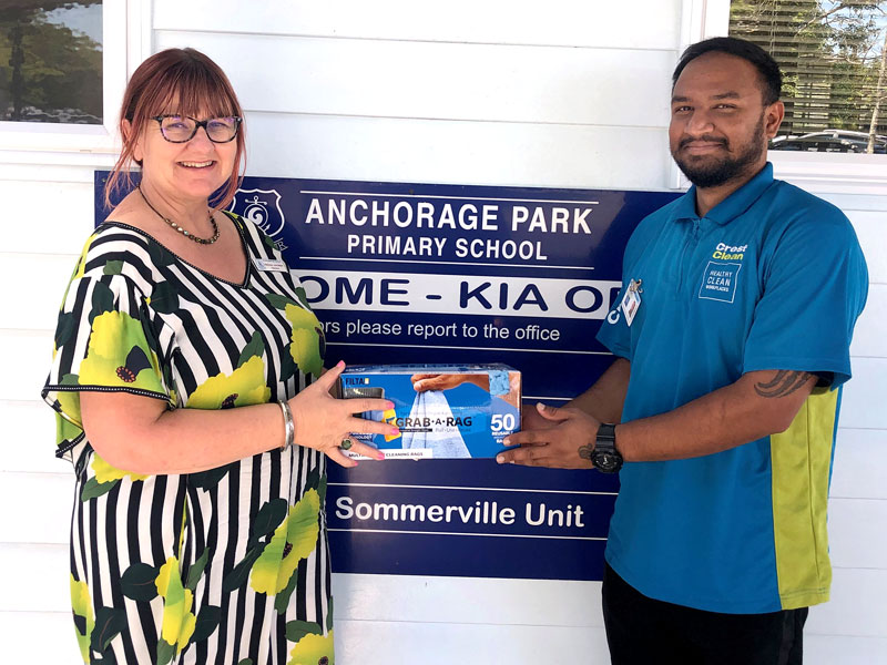 Sunny Singh with Belinda Johnston, Principal at Anchorage Park Primary School.